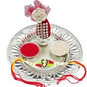 Sending Raksha Bandhan gifts Online