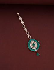 Choose the Exclusive Maang Tikka Online Design for Women at Best Price